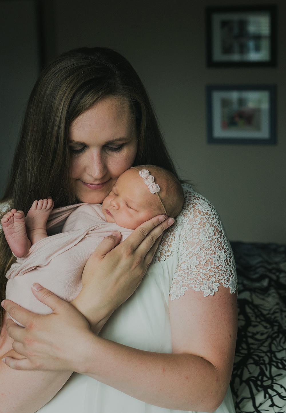 Edmonton Newborn Photographer_Baby Arianna Sneak Peel 3.jpg