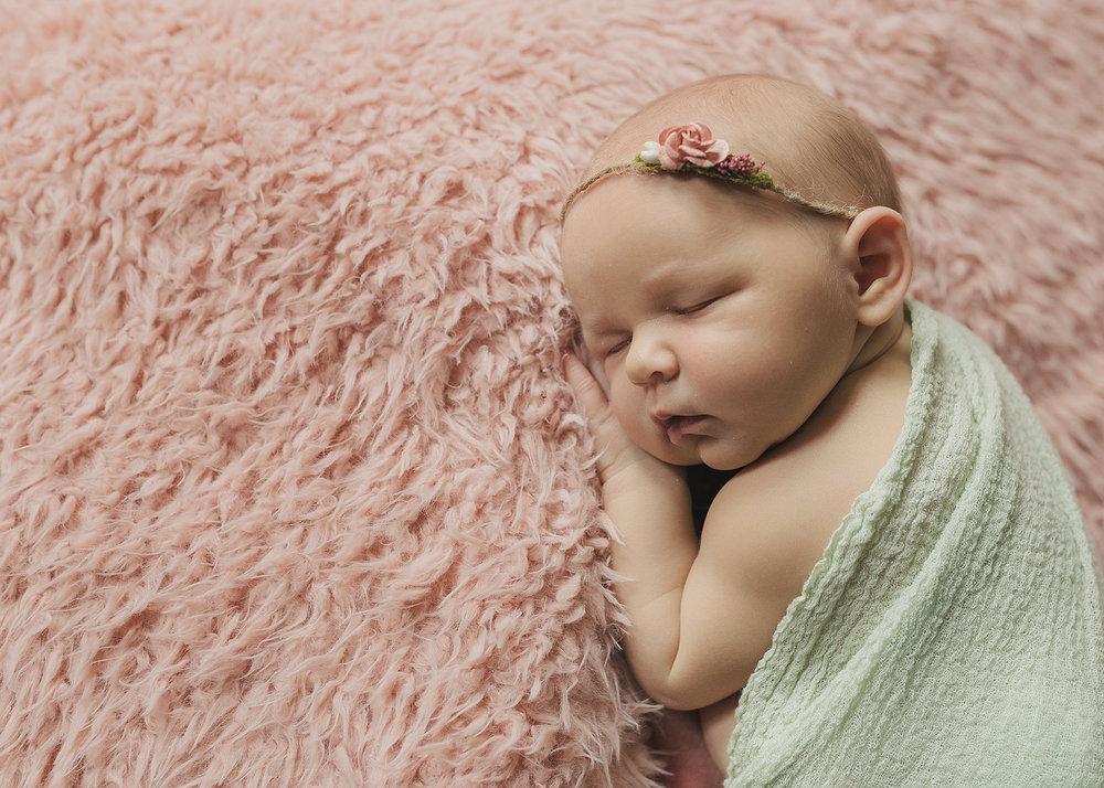 Edmonton Newborn Photographer_Baby Arianna Sneak Peel 7.jpg