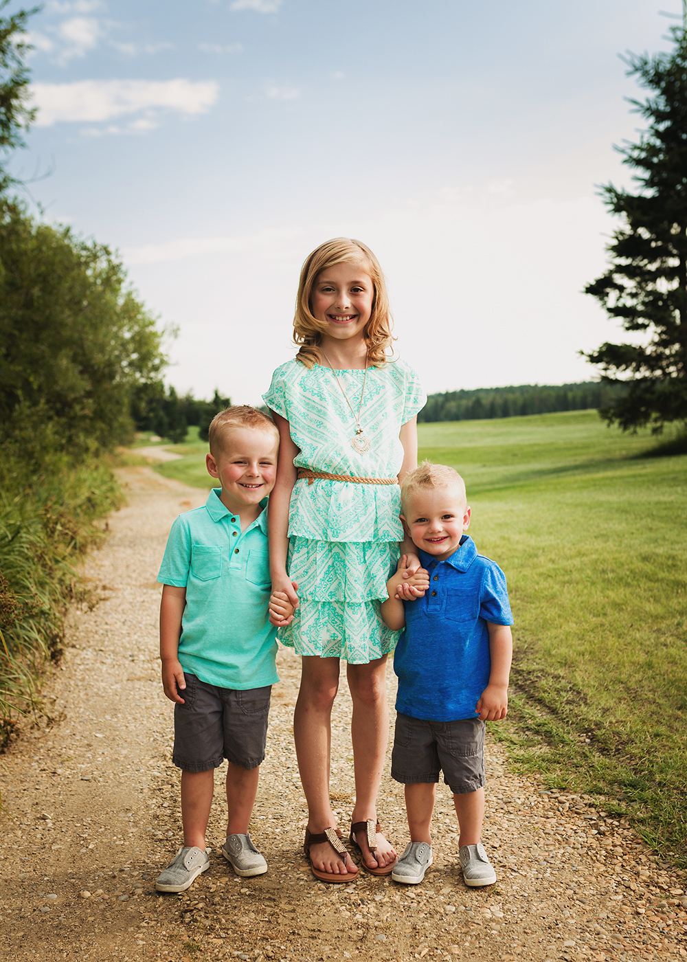 Edmonton Family Photographer_Tebb Family Sneak Peek 3.jpg