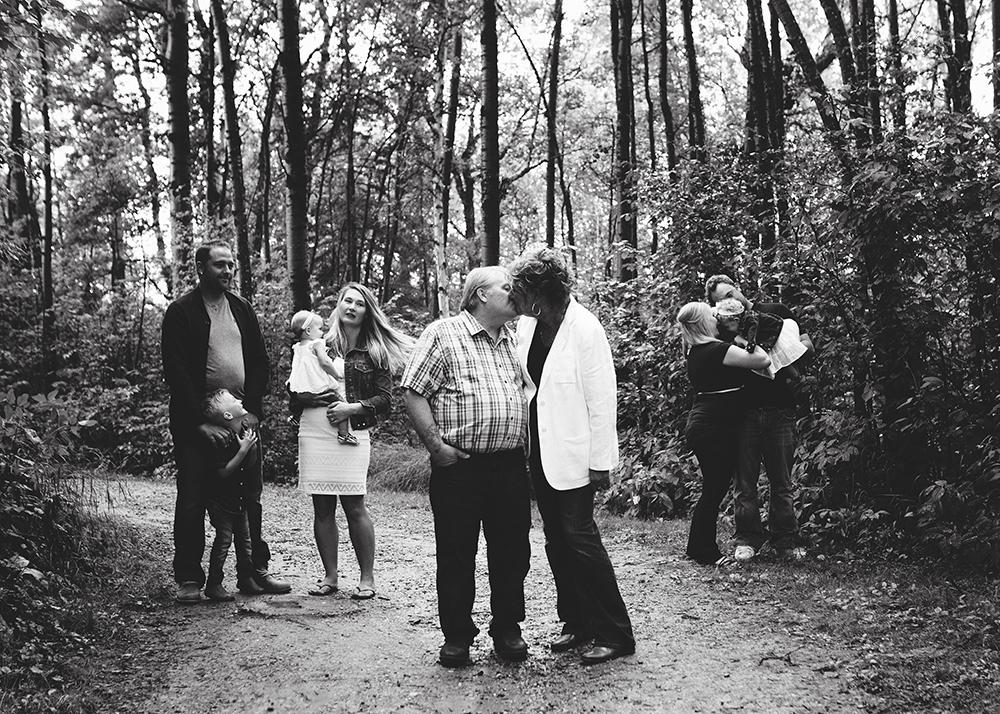 Edmonton Extended Family Photographer_Miller Family 3.jpg
