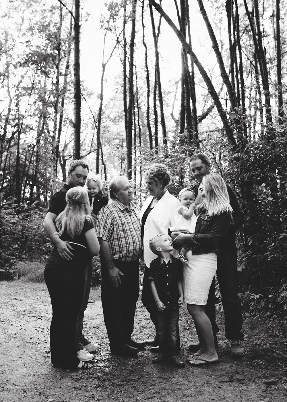 Edmonton Extended Family Photographer_Miller Family 7.jpg