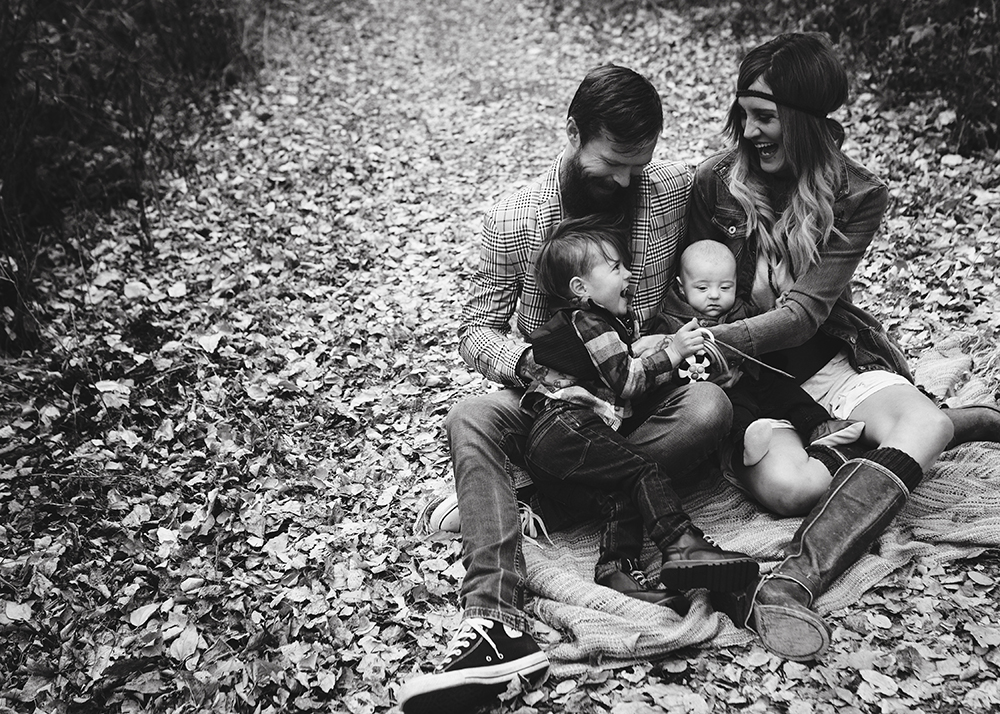 Devon Alberta Family Photographer_Grimson Family Sneak Peek 5.jpg
