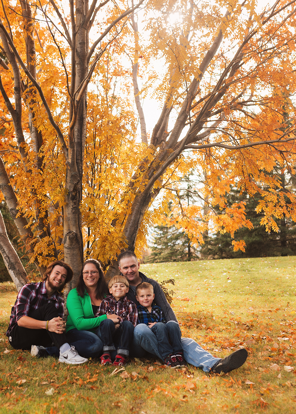 Edmonton Family Photographer_Roberts Family Sneak Peek 4.jpg