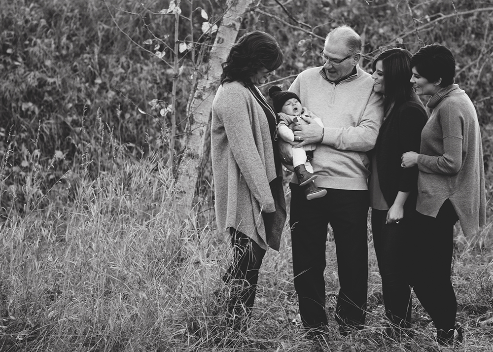 Edmonton Extended Family Photographer_N family sneak peek 8.jpg