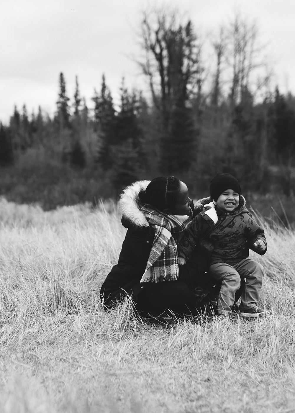 Edmonton Family Photographer_Sylvester Family Sneak Peek 2.jpg