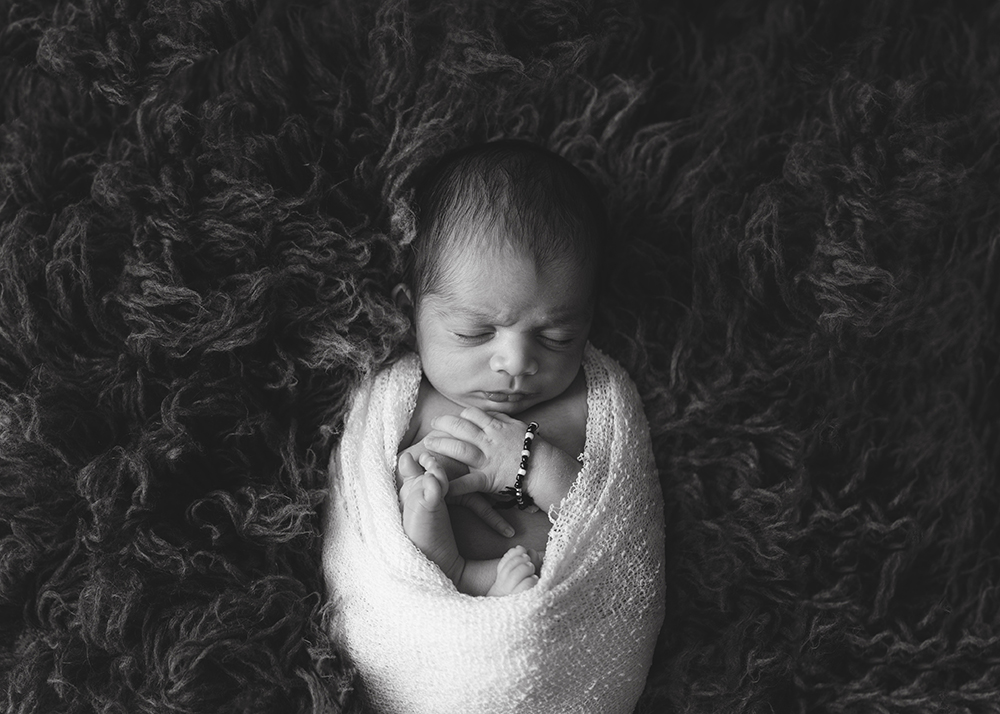 Edmonton Newborn Photographer_Baby Audvik Sneak Peek 1.jpg