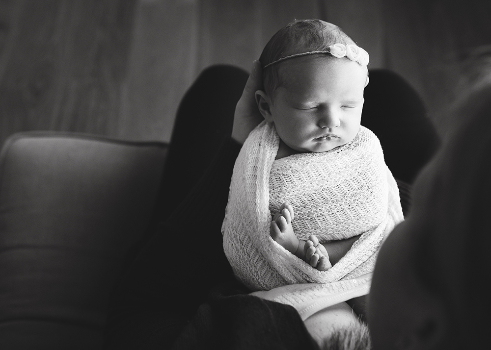 Edmonton Newborn Photographer_Taylor Sneak Peek 4.jpg