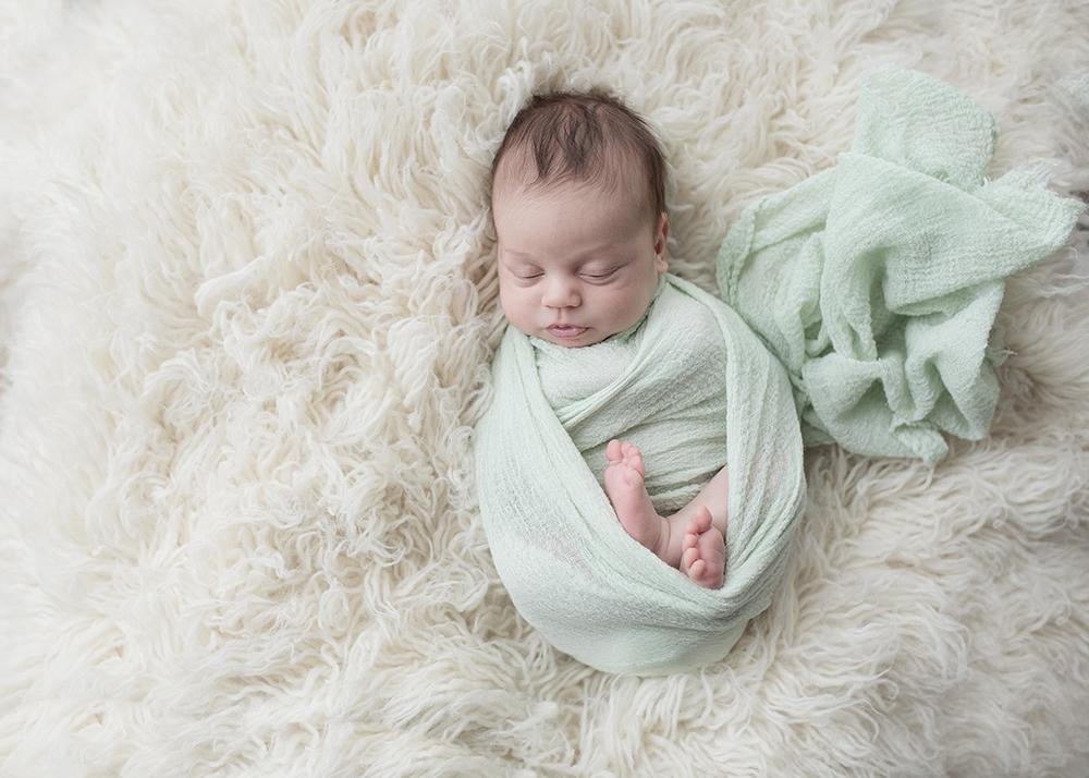 Edmonton Newborn Photographer_Baby Madelyn Sneak Peek 4.jpg
