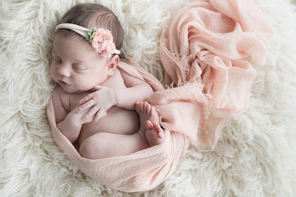 Edmonton Newborn Photographer_Baby Madelyn Sneak Peek 5.jpg