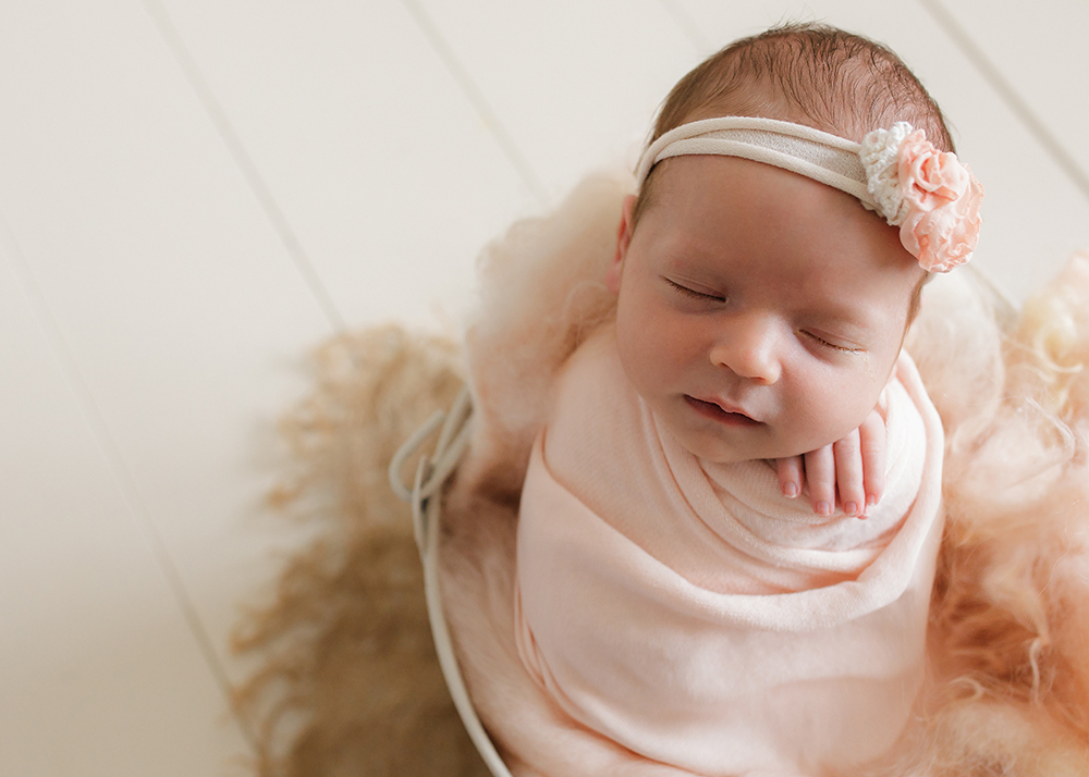 Edmonton Newborn Photographer_Baby Mariah Sneak Peek 10.jpg