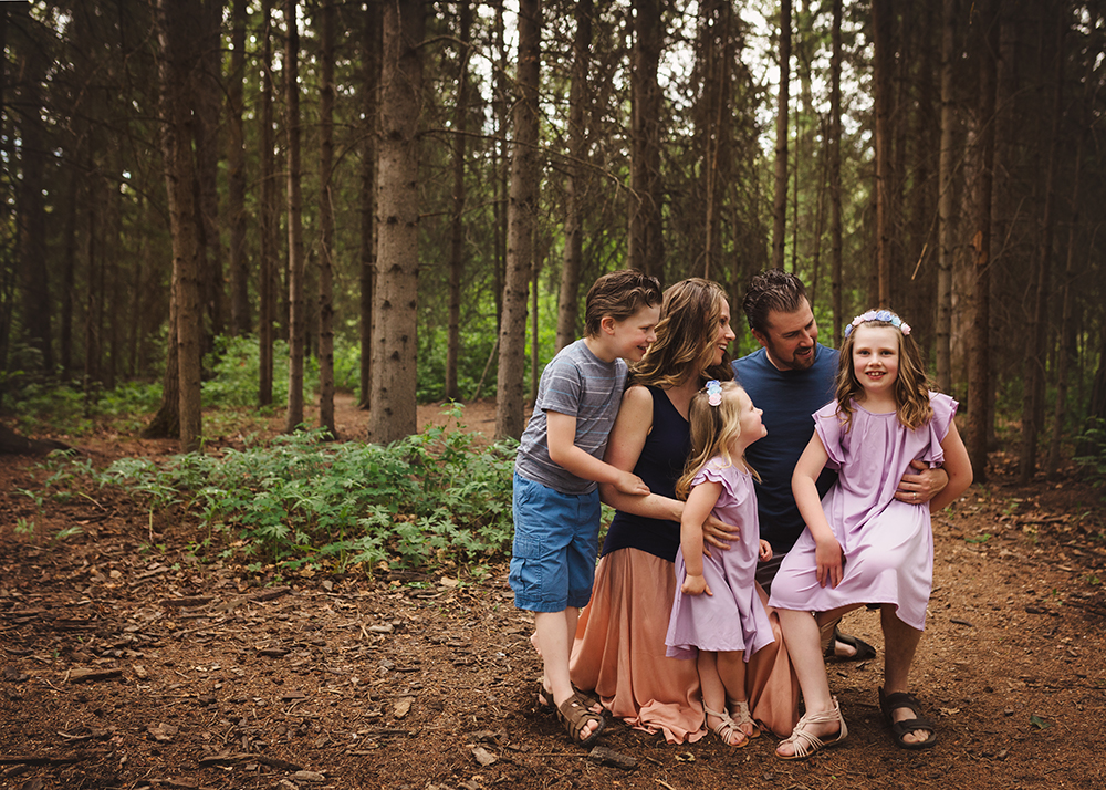 Edmonton Family Photographer_Voss Family Sneak Peek 3.jpg