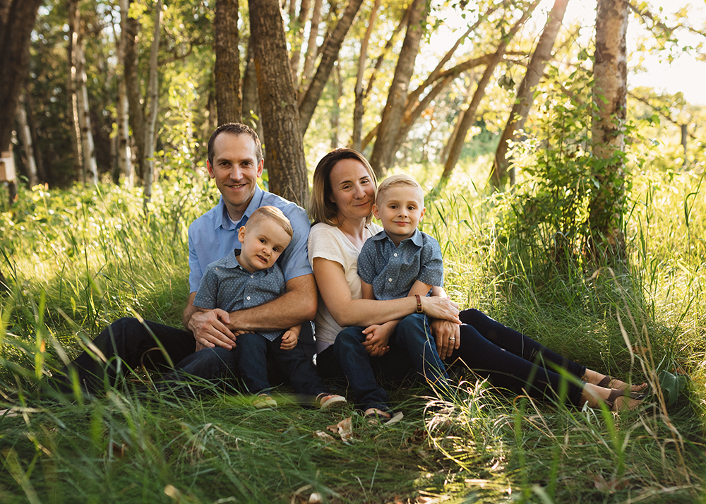 Edmonton Family Photographer_Berg Family Sneak Peek 7.jpg