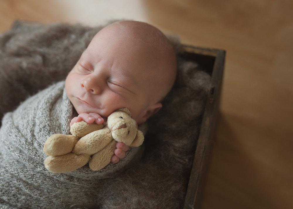 Spruce Grove Newborn Photographer_Baby Logan Sneak Peek 14.jpg