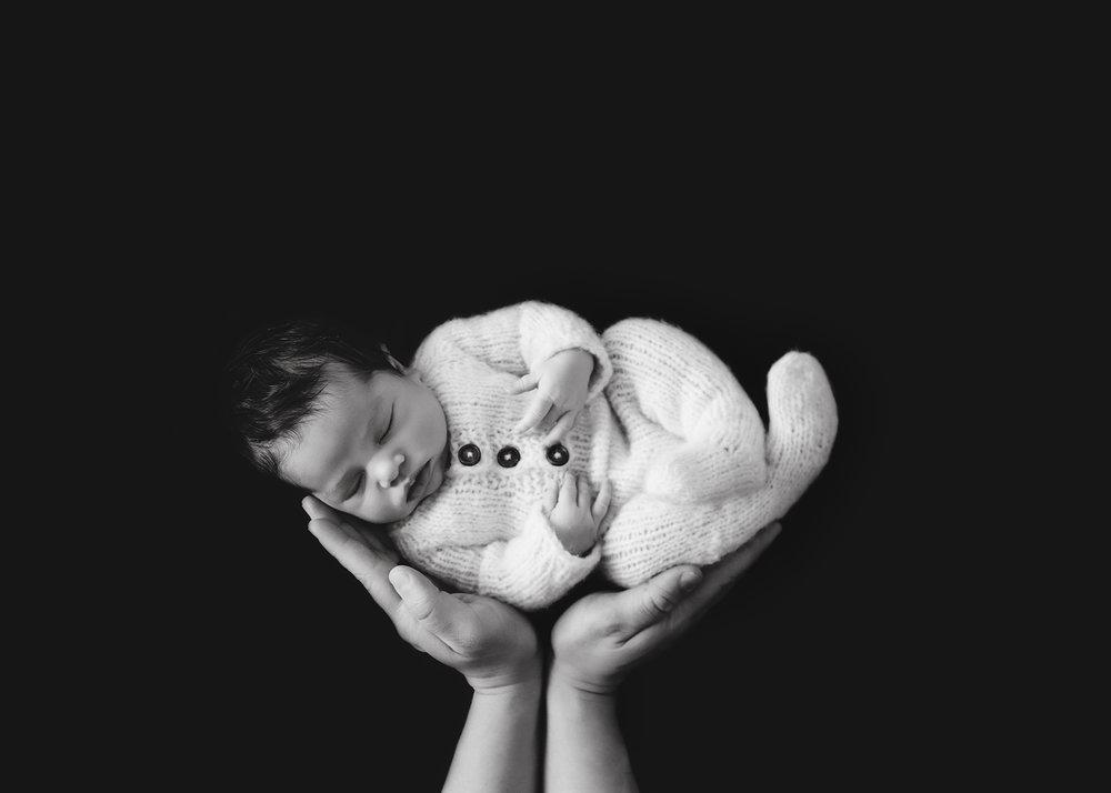 Edmonton Newborn and Fresh 48 Photographer_Brynn 13.jpg