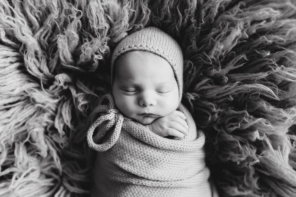 Edmonton Newborn Photographer_Baby Graeme 10.jpg