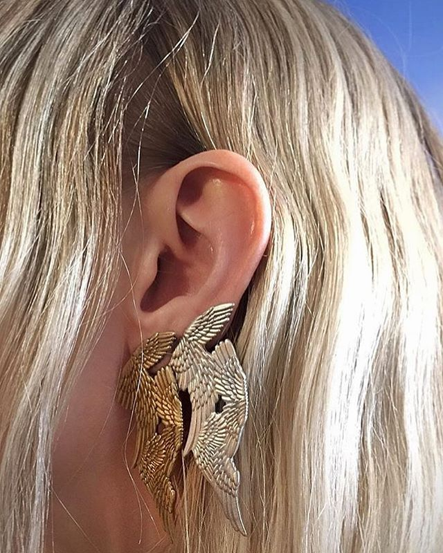 Bringing back one of my favorite ear stacks I've done! Mixing metals in both pairs of the @maryellengallagher Seraphim earrings in brass and silver. 🔑🔧 Check out our story today for a direct link to shop them on our site. ✔️✔️