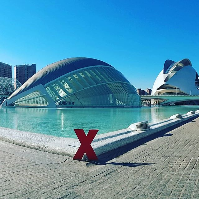 How lucky are we to call this beautiful place our home?! The view never gets old. #Valencia #ValenciaSpain #Spain #España #valenciagram #igersvalencia #igersvalencians #cityofartsandsciences #ciudaddeartesyciencias #headquarters #architecture #architectura #TED #TEDx #TEDxTalks #TEDxBerkleeValencia #TEDxBV16 #IdeasWorthSpreading