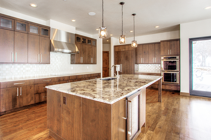 #REV 8372 Summerlin Drive_05_Kitchen02.jpg