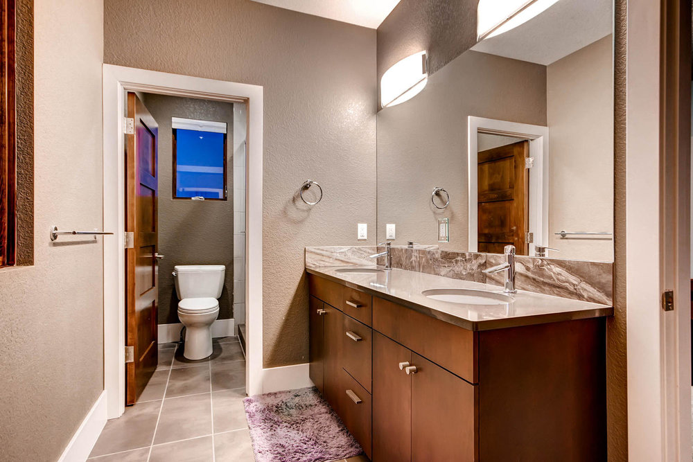 14681 Zuni St Broomfield CO-large-017-15-Bathroom-1500x1000-72dpi.jpg