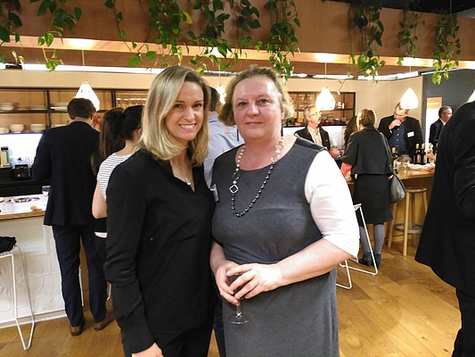 Nadine PLET à droite (Presidente de la FNZCCI) et Kirsty REYNOLDS à gauche (Vice-presidente de la FNZCCI)