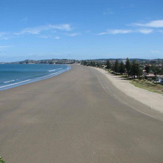 Orewa Beach Auckland.JPG
