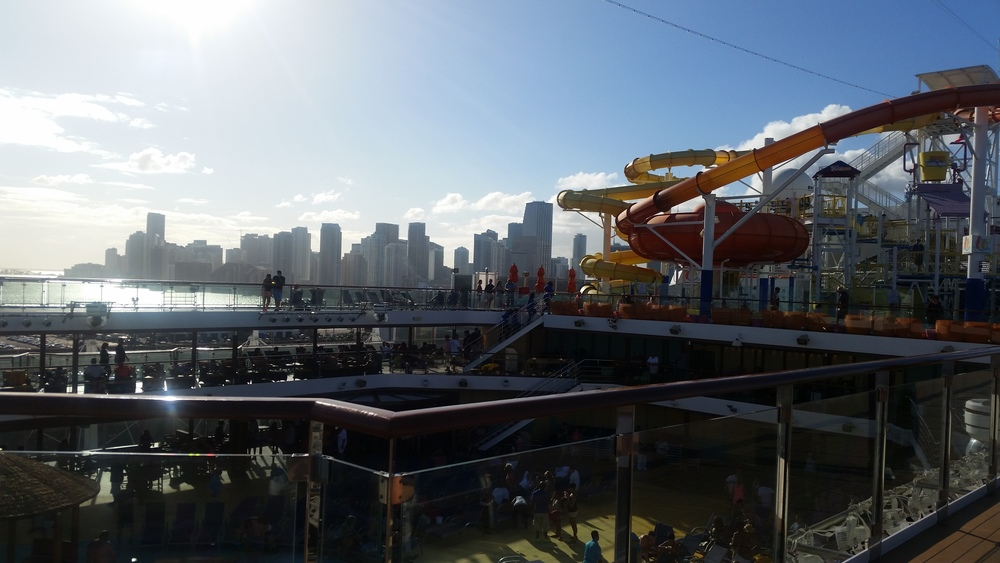 waterslide-carnival-breeze
