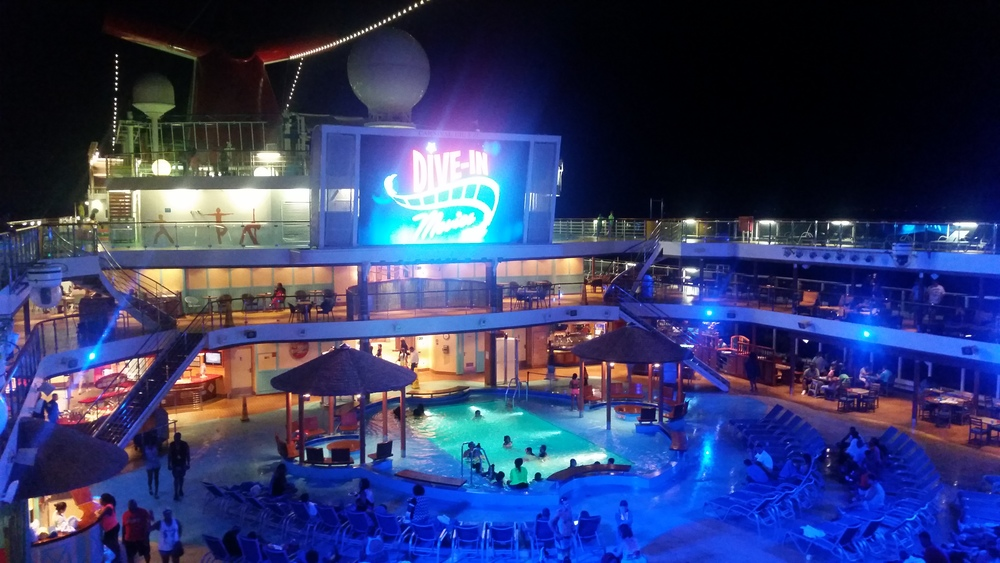 dive-in-movies-carnival-breeze