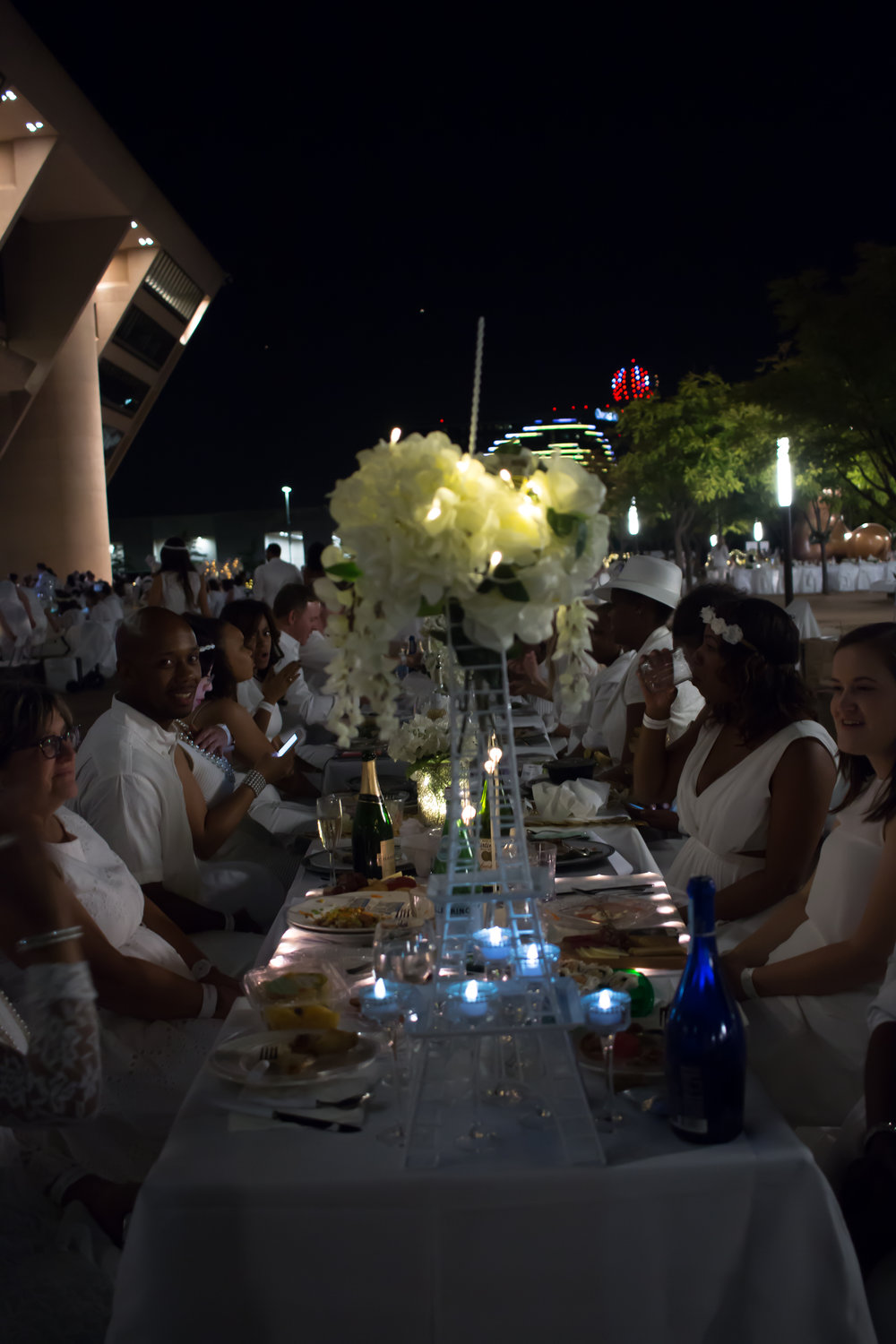 diner-en-blanc-decor-dallas