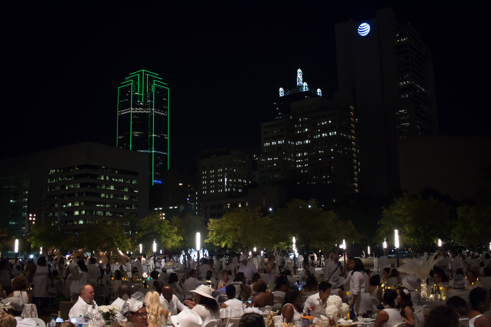 dallas-city-hall-diner-en-blanc-2016