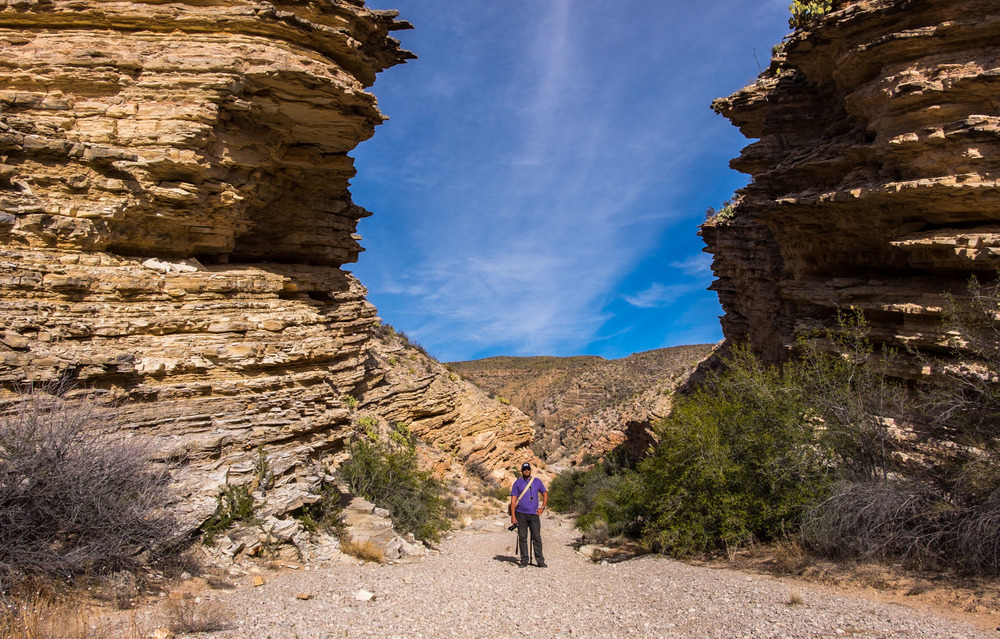 We hiked into the Ernst Tinaja canyon, which was incredible. The rock formations here blew us away.