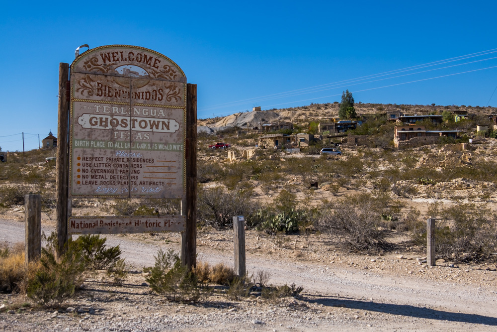 We checked out the Terlingua Ghost Town just outside of the park. Didn't see any ghosts but did see a lot of artists and a crazy old cemetery.