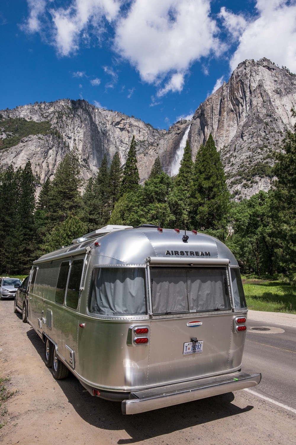 On the road again! We <3 Yosemite.