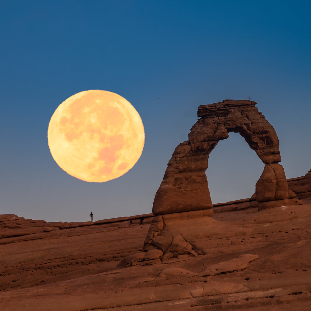 Supermoon - Arches NP.jpg