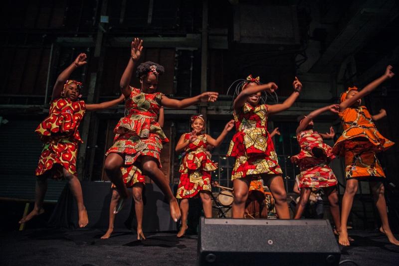 Kukatonon dancers
