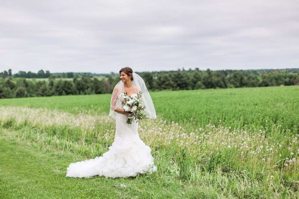 A Wisconsin Barn Wedding | Homestead Wisconsin | Wisconsin Wedding Florist