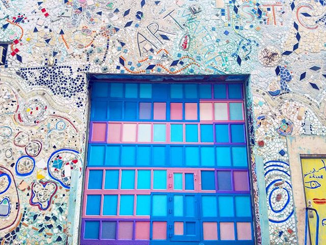 Cotton candy door dreams 🌸🍥🍦 . . . . #phillyblogger #fblogger #photography #potd #blogger #fashionblogger #fblogger #bloggerph #igersphilly #philly #phillyart #phillymurals