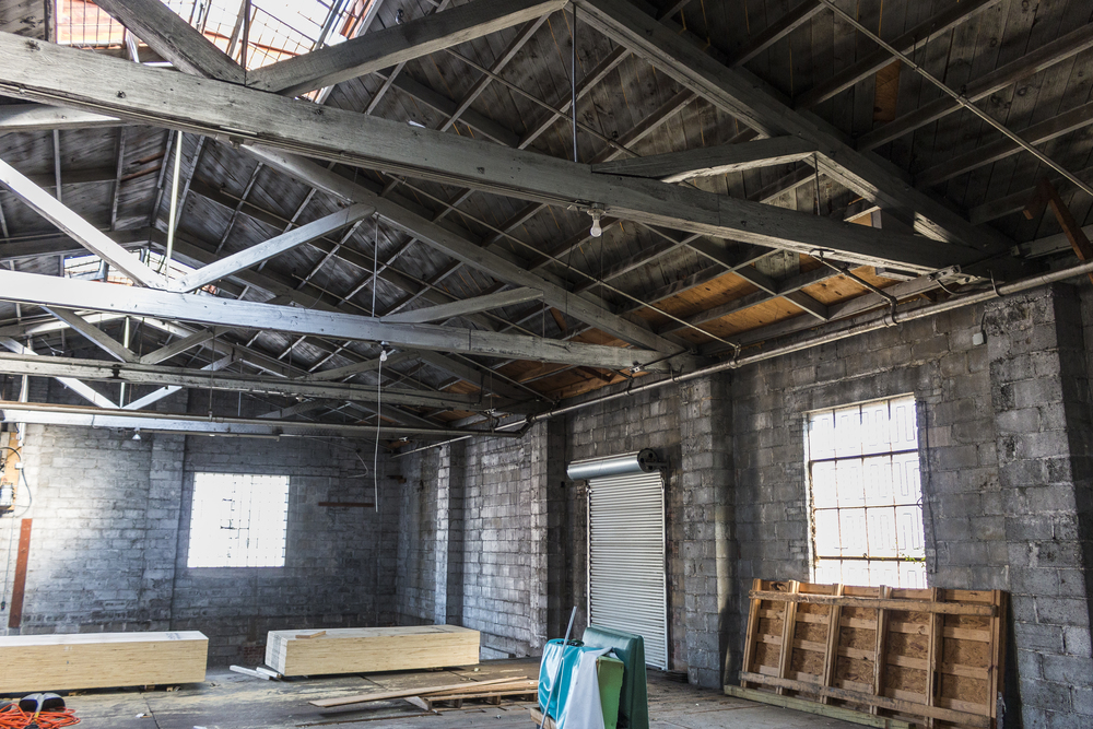 Warehouse side wall with skylight.jpg