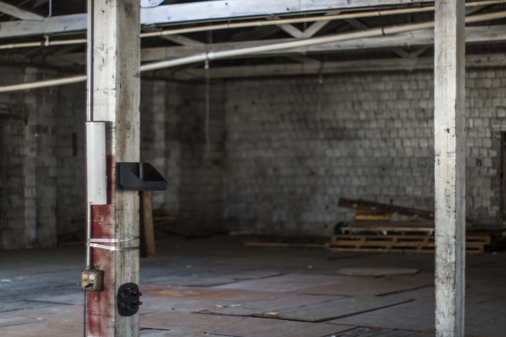 Warehouse support beams.jpg