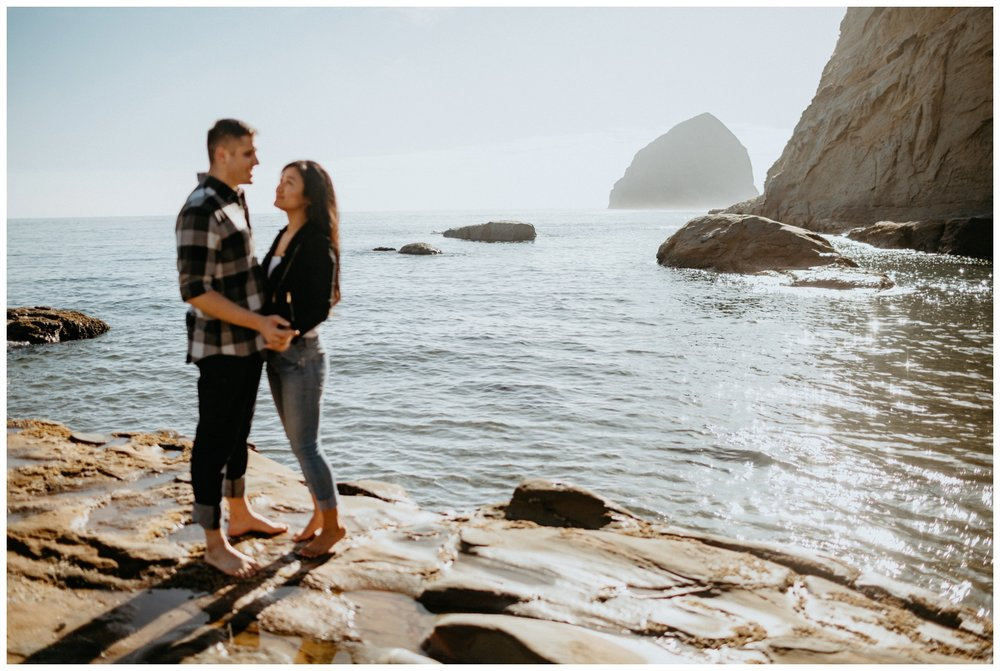 cape_kiwanda_beach_engagement_shoot_0039.jpg