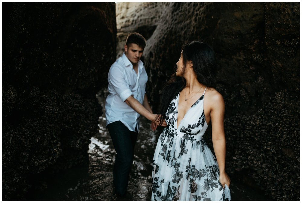 cape_kiwanda_beach_engagement_shoot_0067.jpg