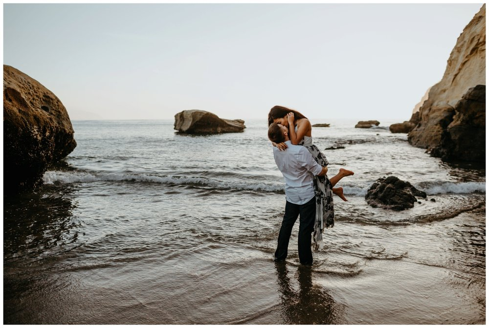 cape_kiwanda_beach_engagement_shoot_0072.jpg