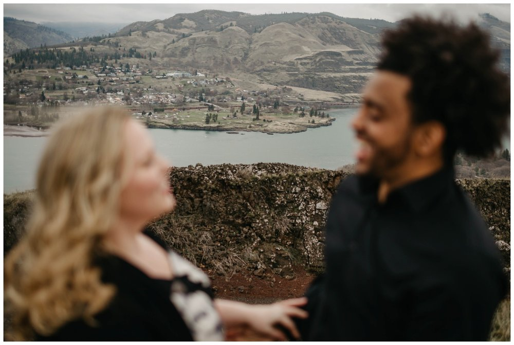 rowena_crest_intimate_engagement_session_0003.jpg