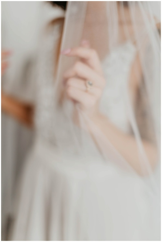 portland_studio_bridal_shoot_truvelle_alexandra_0017.jpg