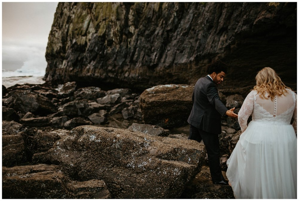 seal-rock-newport-elopement-wedding_0031.jpg