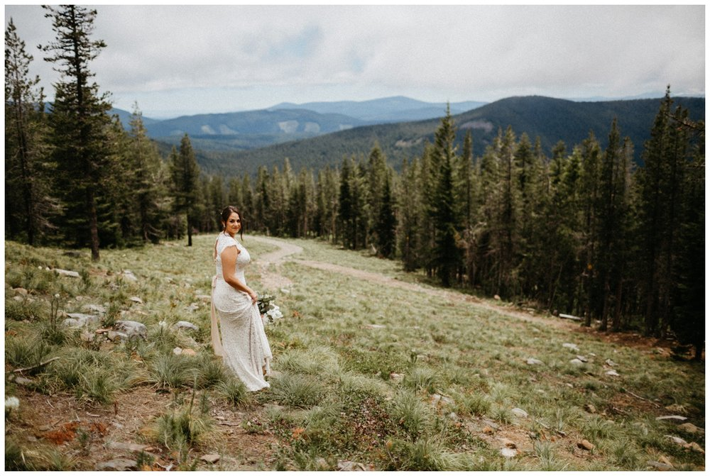 jasmine-j-photography-mt-hood-skibowl-wedding_0032.jpg