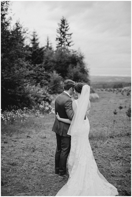 jasminejphotography-blue-hour-wedding-portraits_0008.jpg