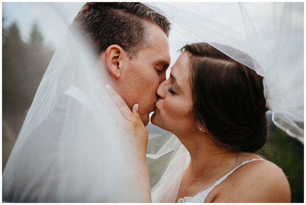 jasminejphotography-blue-hour-wedding-portraits_0015.jpg