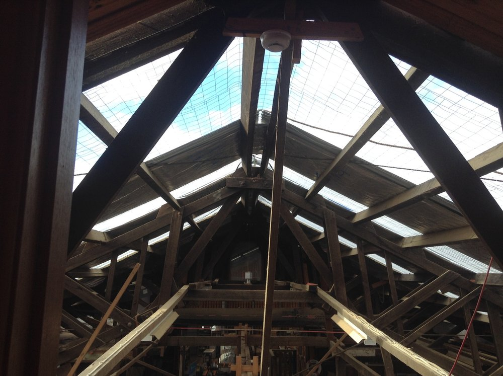 Blue sky through the open roof ...... a rare sight these past foggy weeks!