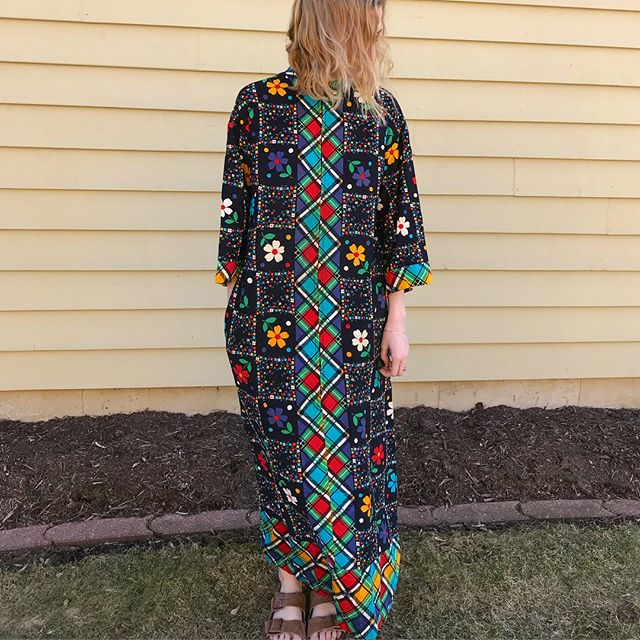 Oh, this ol' thing?? Vintage muumuu, fits xs-m, one pocket on right hip. Posting here before the Etsy shop, $45 + free shipping