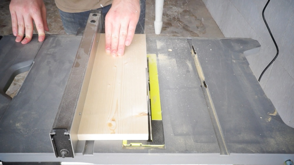 Cutting the drawer face